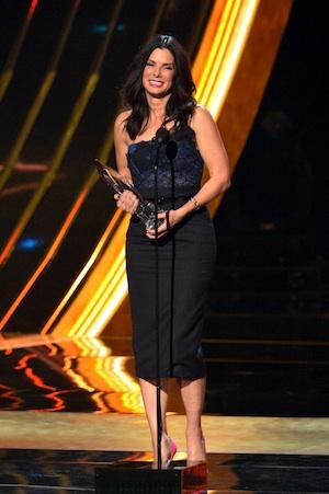 Sandra Bullock receives Favorite Humanitarian Award at the People's Choice Awards.
