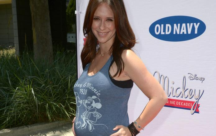 Celeb bump day: Jennifer Love Hewitt,