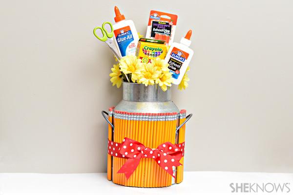 Back-to-school teacher gift - School supply bouquet
