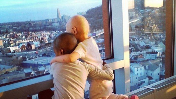 Mom inspires hope through moving photo