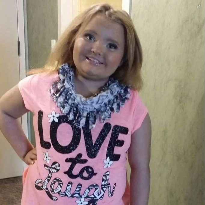 Honey Boo Boo posing with makeup in February 2015