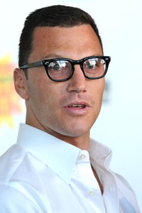 Sean Avery arrested for pushing a cop