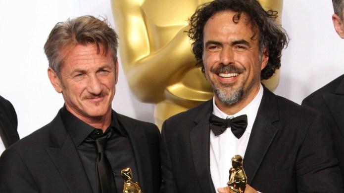 Sean Penn's 'green card' Oscars joke