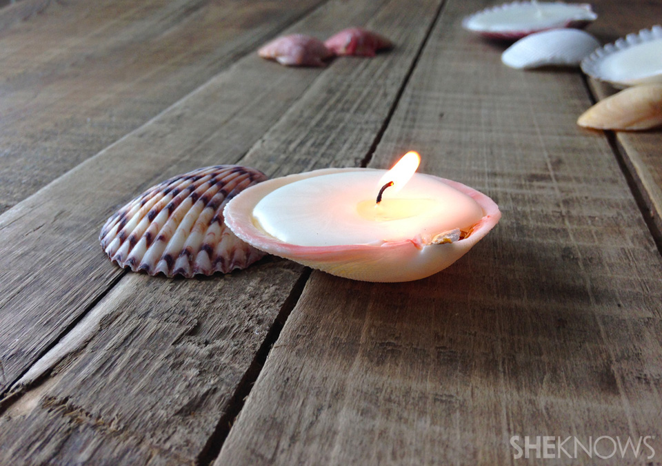 DIY seashell candles: Step 6: Light and enjoy