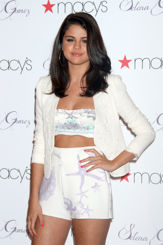 Selena Gomez Elle