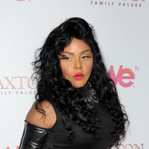 Lil' Kim: I'm having a girl!