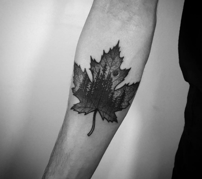 Leaf pointillism tattoo