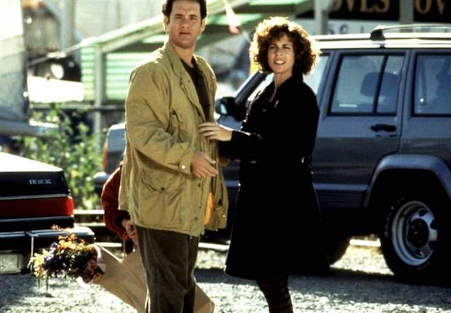 Still of Tom Hanks and Rita Wilson in 'Sleepless in Seattle'