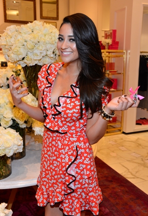 Shay Mitchell Pll Gossip And Hopes For A Home Decor Line Sheknows