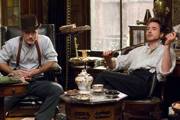 Jude Law and Robert Downey in Sherlock Holmes
