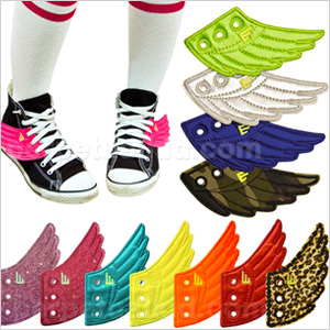 Sneakers with lace on angel wings