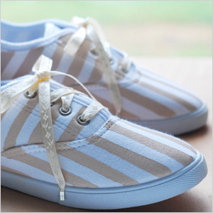 Sneakers with DIY stripes