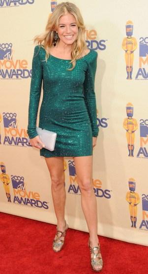 Sienna Miller dazzles at the MTV Movie Awards