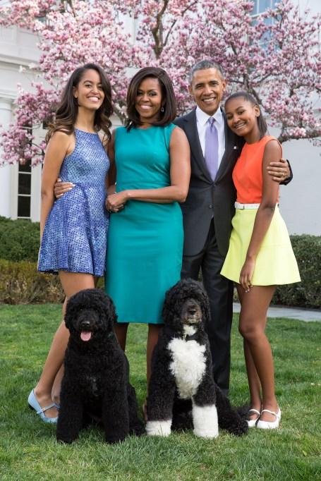 obama-family-portrait-2015