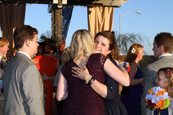 Sister Wives - Robyn hugs Madison