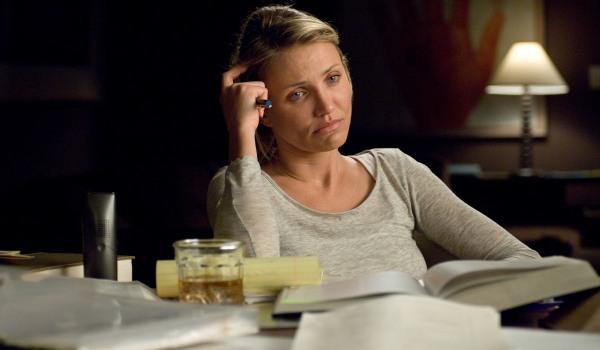 Diaz has a difficult choice as Sara