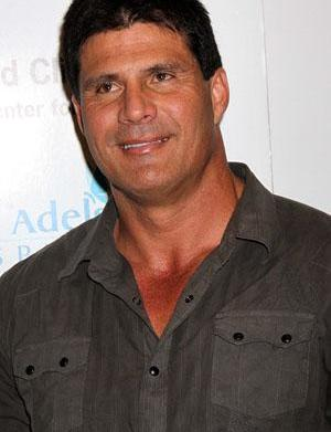 Jose Canseco tweets alleged rape accuser's