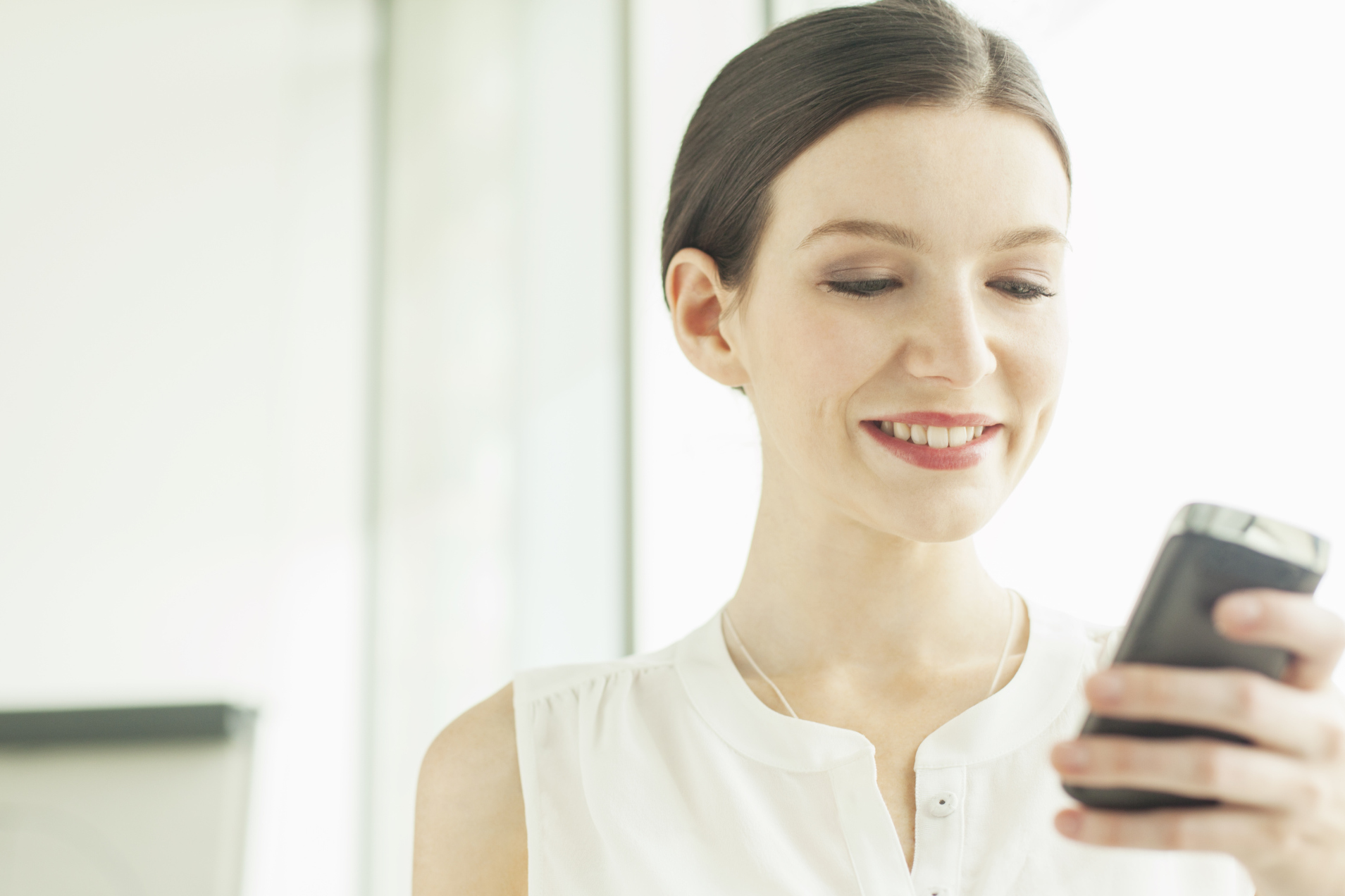 5 Hair Apps That Are Like Personal Stylists Living In Your Phone