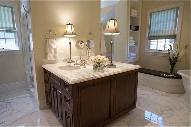Bathroom Peninsula
