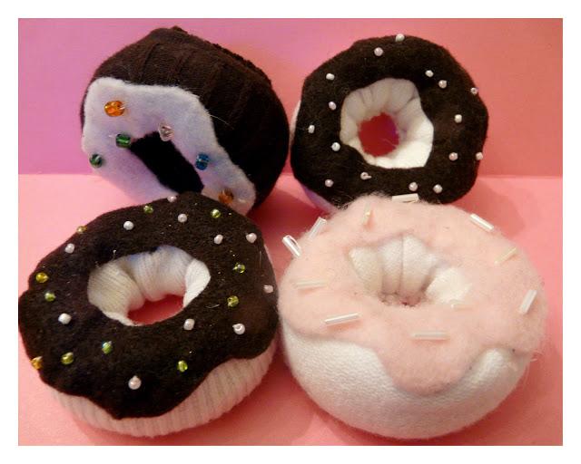 DIY sock donuts | Sheknows.com