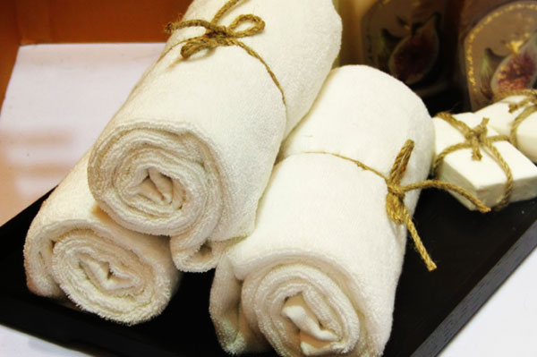 Spa towels and soaps   Sheknows.com