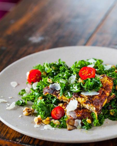 Kale Salad with Miso-Mushroom Omelet