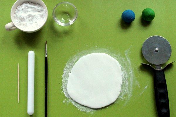 spotty sugarpaste equipment