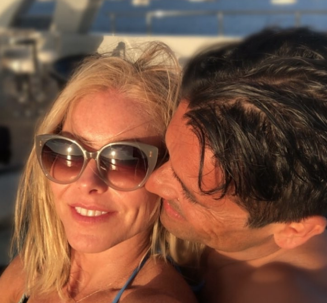 Photo of Kelly Ripa and Mark Consuelos in Greece
