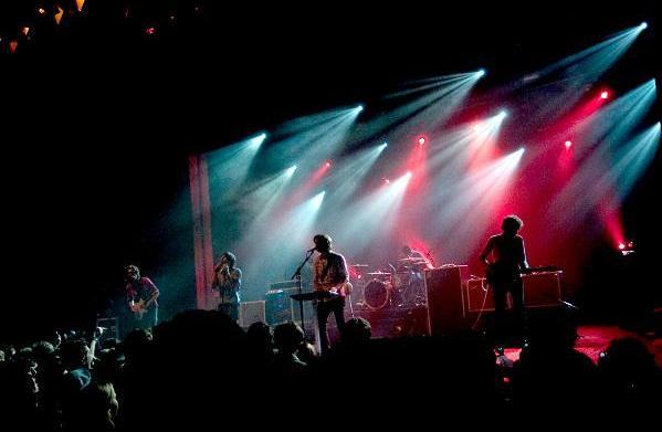 """Music review: Phoenix's """"Entertainment"""