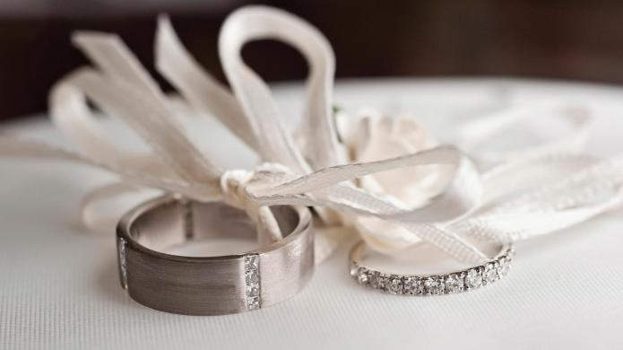Bride relocates her wedding to father's