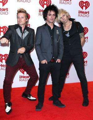 Green Day cancels 2012 tour, postpones