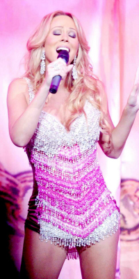 Mariah Carey live in concert in Chicago in 2003