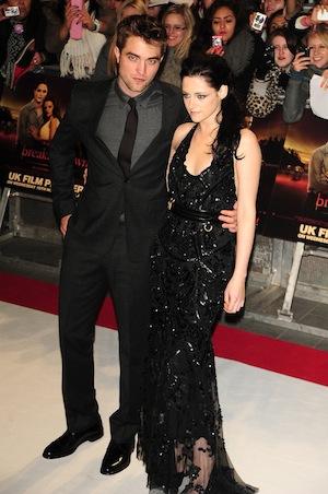 Kristen Stewart drops $12,000 on Pattinson for Christmas.