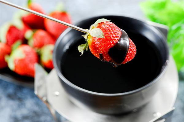 Strawberry chocolate fondue