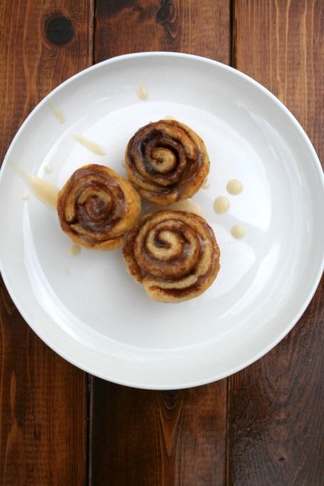 Easy Make-Ahead Breakfast Recipes: MinI freezer cinnamon rolls
