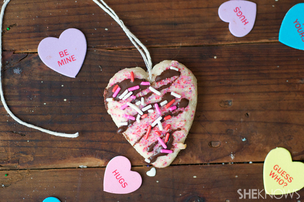 Sugar cookie heart pendant | Sheknows.com