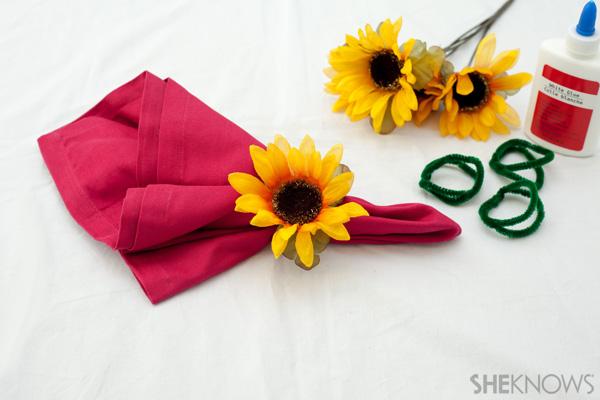 Sunflower napkin ring craft