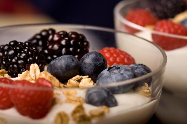 yogurt and fresh berry parfait
