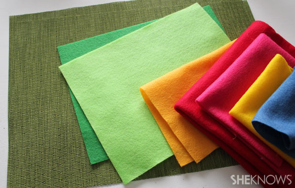Easter egg placemat: Supplies