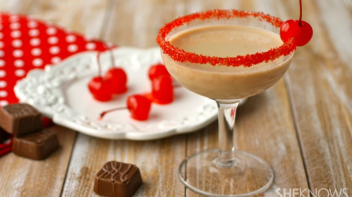 18 Festive Valentine's Day Cocktails That