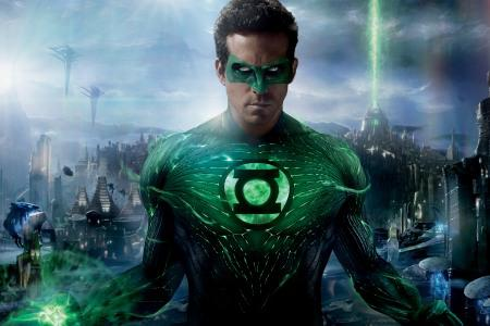 Green Lantern lights up the box
