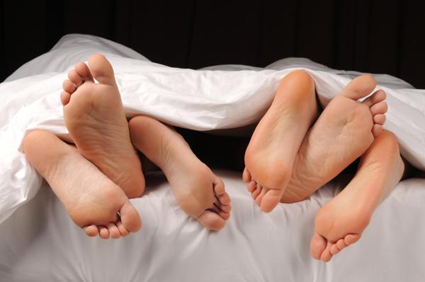 Swingers in bed
