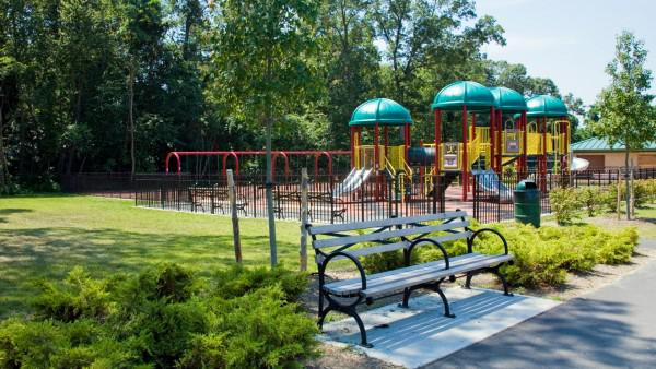 The perfect playground workout for moms
