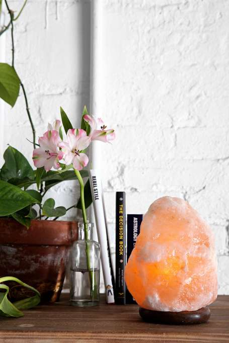 Fall Decor Trends on Pinterest: The healing properties of Himalayan salt lamps help you relax at home
