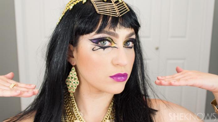 DIY Katy Perry's makeup from 'Dark