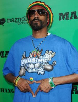 Snoop Dogg caught with drugs at