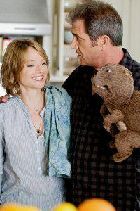 Mel Gibson's The Beaver trailer premieres