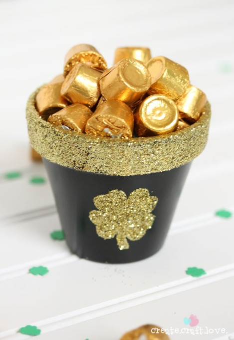 DIY pot of gold with Rolos