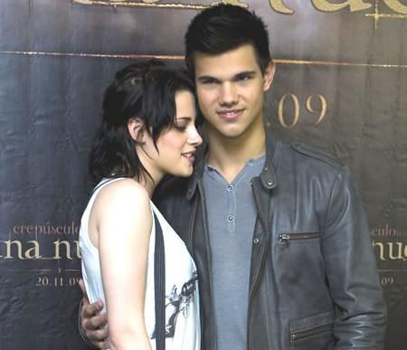Taylor Lautner and Kristen Stewart of Twilight