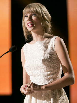 Taylor Swift at the Canadian Country Music Association Awards